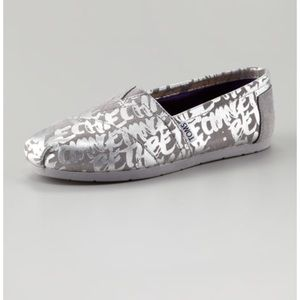 TOMS/A NEIMAN MARCUS EXCLUSIVE BE THE CHANGE SZ:7